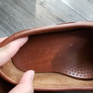 FootJoy Shoes - Foot-joy leather hand stitched loafer